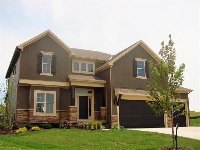Olathe Single Family Home For Sale: 11523 S Montclaire Drive