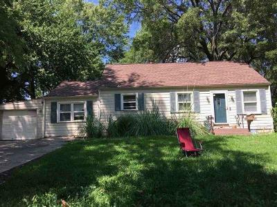 Overland Park Single Family Home Auction: 7600 W 64th Street
