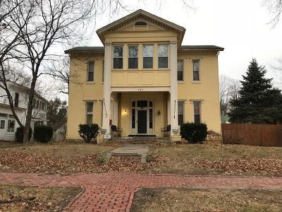 Leavenworth Single Family Home For Sale: 222 Vine Street