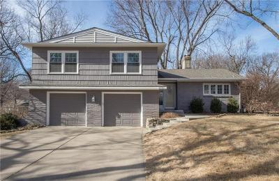 Leawood Single Family Home Show For Backups: 9730 Manor Road