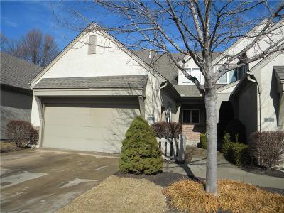 Overland Park Condo/Townhouse For Sale: 14345 Russell Street