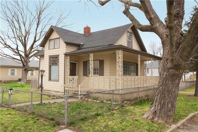 Leavenworth Single Family Home For Sale: 1100 N Broadway Street