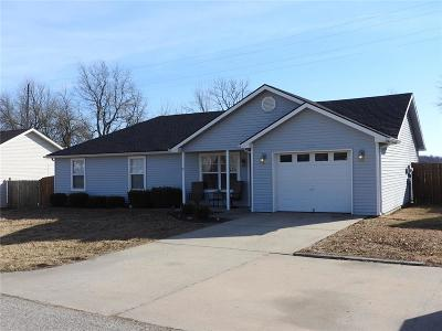 Knob Noster Single Family Home For Sale: 1182 SE 170 Road