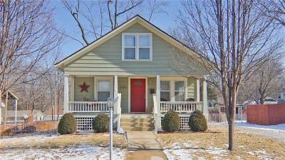 Lee's Summit Single Family Home For Sale: 105 SW Monroe Street