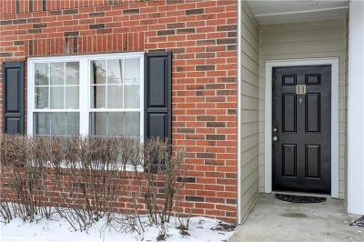 Leawood KS Condo/Townhouse Show For Backups: $122,000