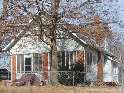 Jackson County Single Family Home Show For Backups: 4408 E 54th Terrace