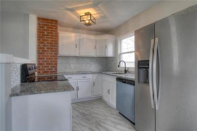 Liberty Single Family Home For Sale: 14 S Village Drive