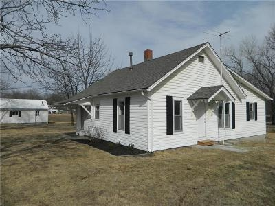 Clinton County Single Family Home For Sale: 26 W Oak Street