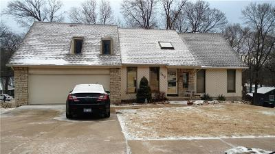 Shawnee Single Family Home For Sale: 7017 Parkhill Street