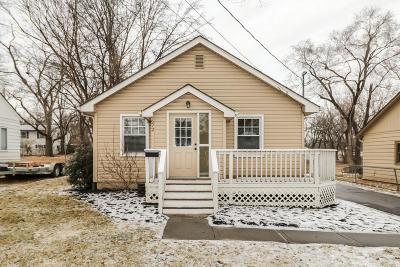 Olathe Single Family Home For Sale: 672 W Cedar Street