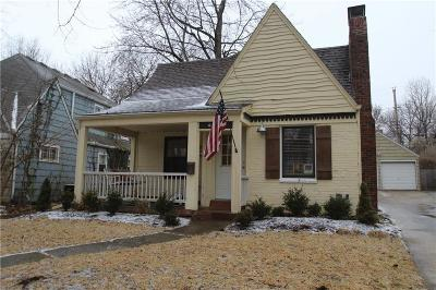 Kansas City Single Family Home For Sale: 6704 Kenwood Avenue