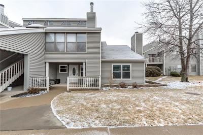 Overland Park Condo/Townhouse For Sale: 8751 W 106th Terrace
