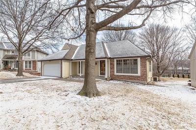 Overland Park Single Family Home For Sale: 11511 Parkhill Street