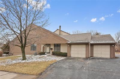 Kansas City Condo/Townhouse For Sale: 12224 Holmes Lane