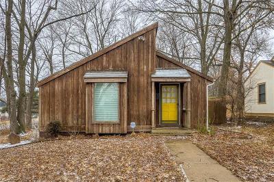 Kansas City Single Family Home For Sale: 9136 Charlotte Street