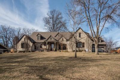 Leawood Single Family Home For Sale: 9626 High Drive