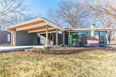 Overland Park Single Family Home For Sale: 9844 Aberdeen Street