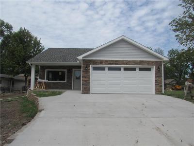 Ottawa Single Family Home For Sale: 912 N Cherry Street