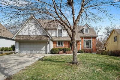 Overland Park Single Family Home For Sale: 12419 Mastin Street