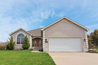 Lawrence Single Family Home For Sale: 1800 Castle Pine Court