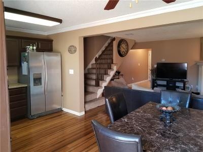 Lee's Summit Condo/Townhouse Show For Backups: 5635 NW Sunrise Meadow Circle #50B