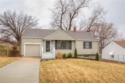 Kansas City Single Family Home For Sale: 517 NE 42nd Terrace