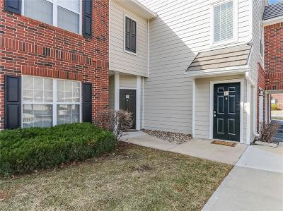 Leawood Condo/Townhouse For Sale: 11626 Tomahawk Creek Parkway #L
