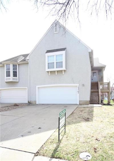 Lenexa Condo/Townhouse Show For Backups: 15707 W 90th Street