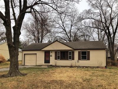 Overland Park Single Family Home For Sale: 7029 Beverly Street