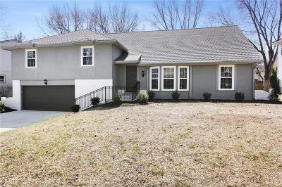 Overland Park Single Family Home For Sale: 8107 W 101st Street
