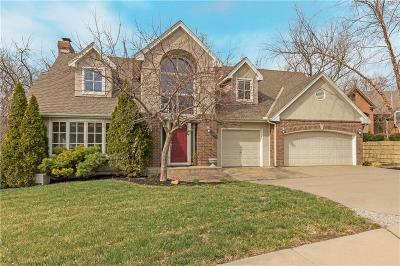 Lenexa Single Family Home For Sale: 8408 Pflumm Circle