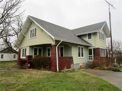Allen County Single Family Home For Sale: 623 N Cedar Street