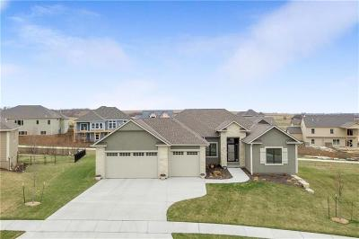 Lawrence Single Family Home For Sale: 335 Headwaters Drive