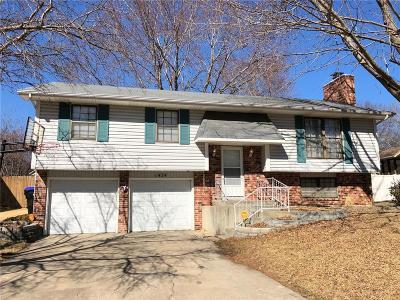 Topeka Single Family Home For Sale: 1424 SE 43rd Street