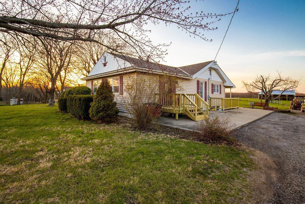 Listing 12485 N Outer Road Odessa Mo Mls 2099779 Blue