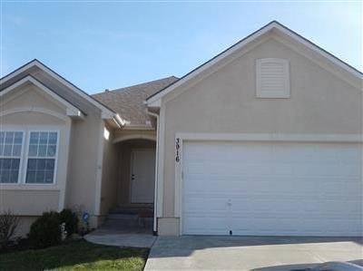 Blue Springs Single Family Home For Sale: 3916 NW Chapman Drive
