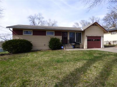Kansas City Single Family Home For Sale: 7400 E 49th Terrace