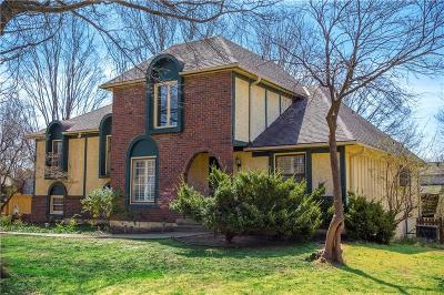 Leawood Single Family Home For Sale: 2203 W 120th Street