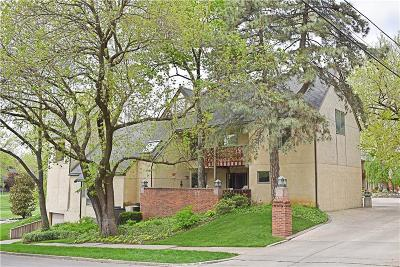 Kansas City Condo/Townhouse For Sale: 3747 Gillham Road