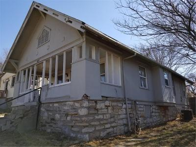 Kansas City Single Family Home For Sale: 5811 Peery Avenue