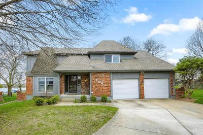 Raintree Lake, Raintree Lake Estates, Raintree Lake- The North Shore, Raintree Villas Single Family Home For Sale: 4082 SW Royale Court