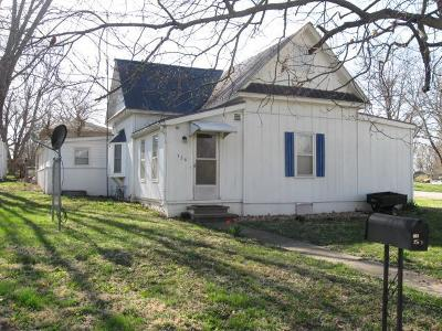 Clinton County Single Family Home For Sale: 328 N Second Street