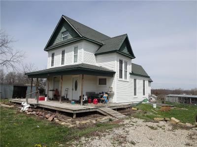 Brown County Single Family Home For Sale: 700 E 2nd Street