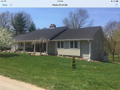 Livingston County Single Family Home For Sale: 2110 Ridgecrest Drive