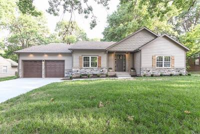 Leawood Single Family Home For Sale: 2911 92nd Place