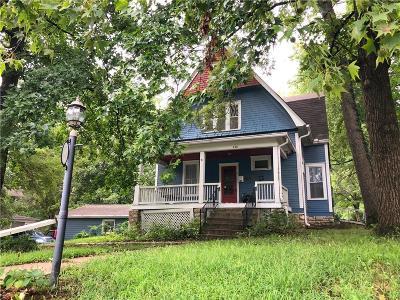 Single Family Home For Sale: 448 E Mississippi Street