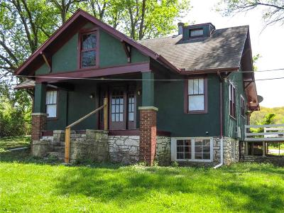 Kansas City Single Family Home For Sale: 7165 Gibbs Road