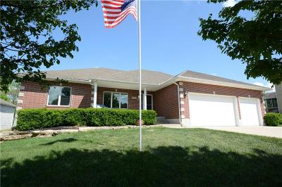 Lee's Summit Single Family Home For Sale: 1305 NE Valley Forge Drive