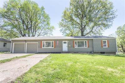 Raytown Single Family Home For Sale: 10505 E 65th Terrace