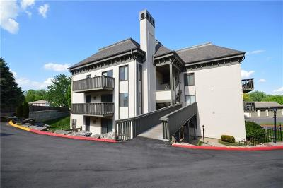 Independence Condo/Townhouse For Sale: 301 E Partridge Avenue #I